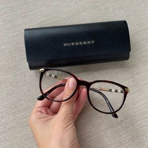 Burberry glasses style 3657